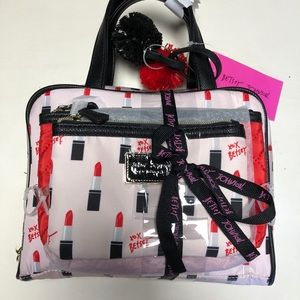 💄Final 💄 NWT Betsey Johnson 3 pc cosmetic case